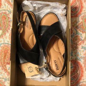 Born black sandals